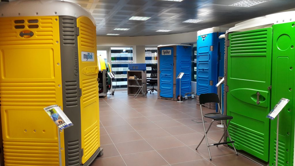 Show room Poggibonsi portable toilets