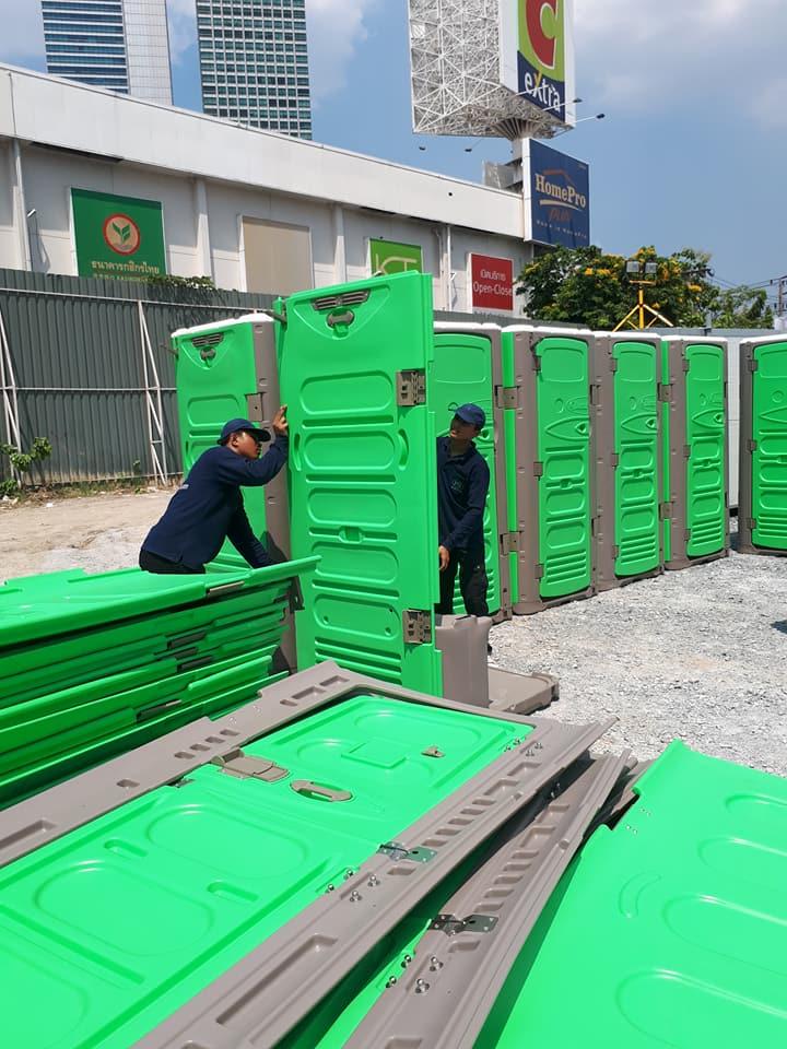 Hong nam portable toilets in Thailand   T BLUSTAR
